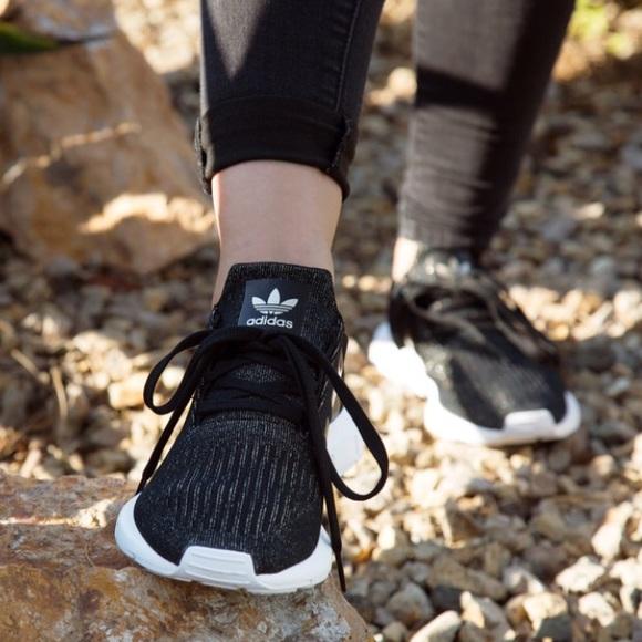 adidas Swift Run W shoes black gold   WeAre Shop